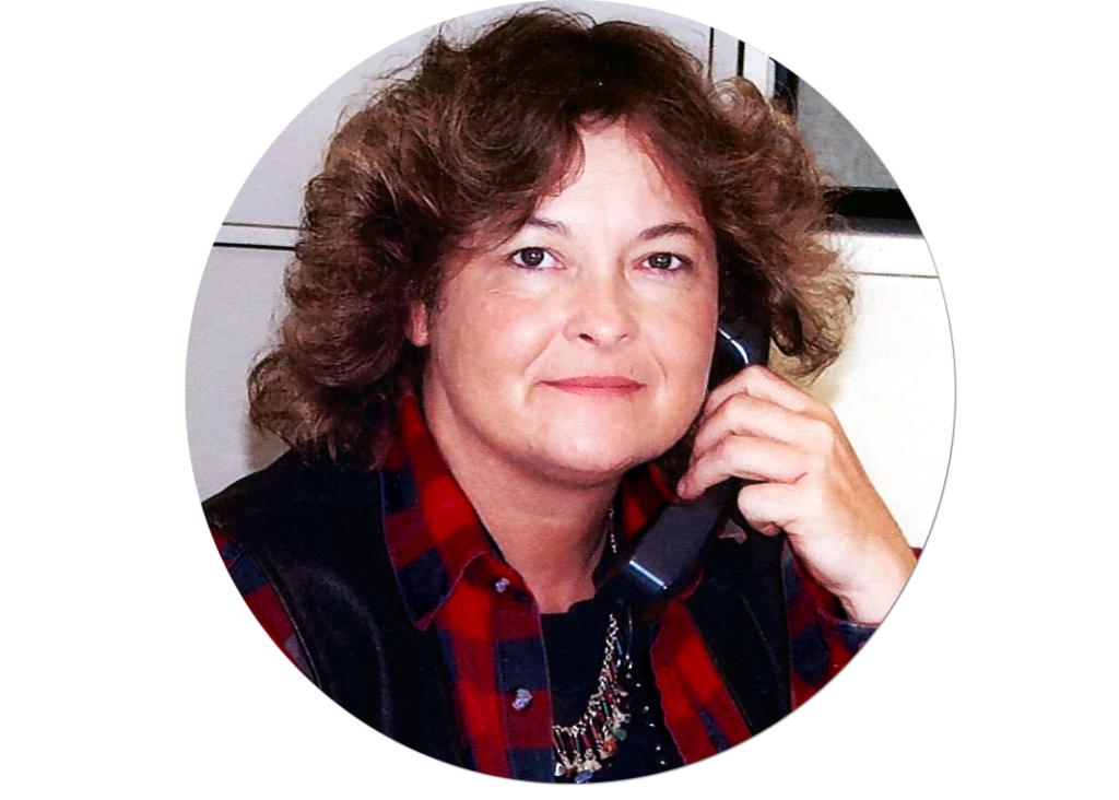 headshot for insurance agent joan kiefer of Mt. Hood Insurance Agency